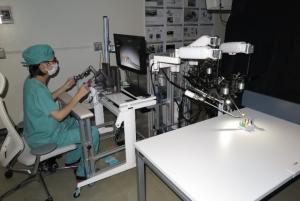 リバーフィールド次世代手術支援ロボットシステム共同研究講座で開発中のロボット