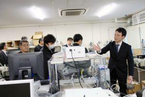 産学交流会(高分子材料設計化学研究領域の施設見学)
