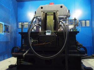 強磁場発生装置