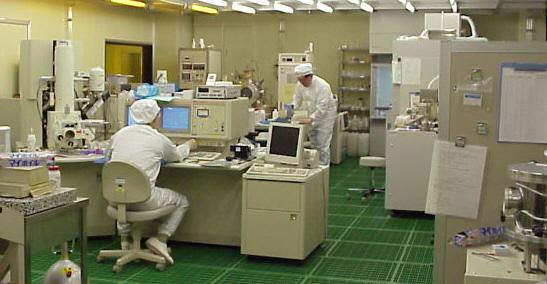 集約共用化を推進中のクリーンルーム実験設備