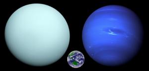 天王星、海王星、地球の大きさの比較
