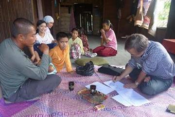 問題解決のカギとなるのが、現地住民との話し合いによる行動変革だ。(写真提供:甲山准教授)