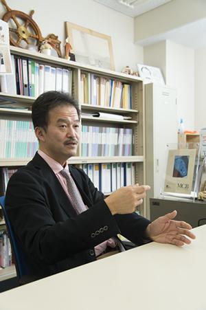 田代教授は自身の研究と同時に、小児科医として、福島県の原発事故による子どもたちの調査プロジェクトで、中心的な役割を果たした
