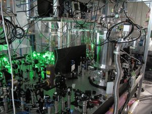 コヒーレント二光子放出実験