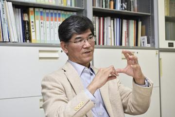 森井教授の研究は多岐にわたるが、今回はエネルギーに的を絞って話してくれた